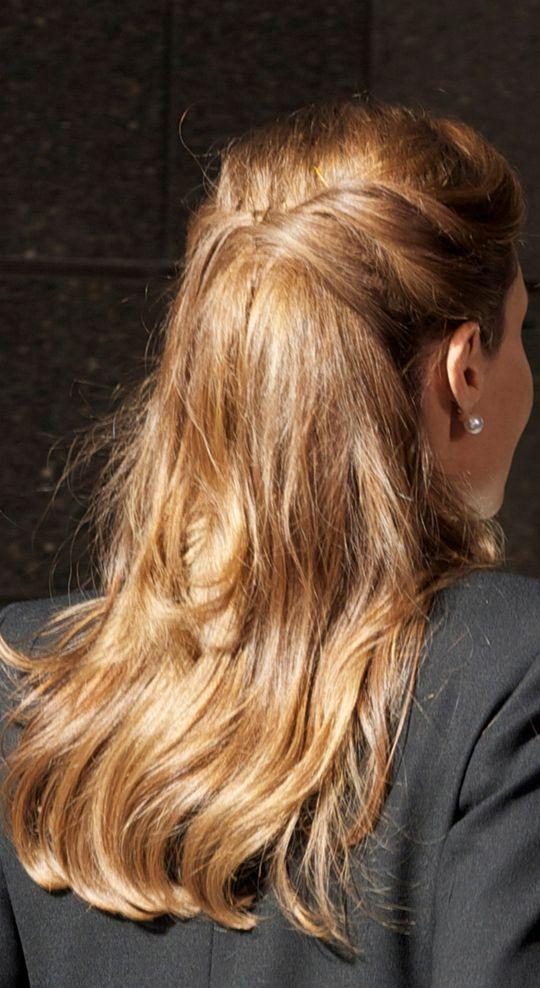 angelina-jolie-hairstyle-back