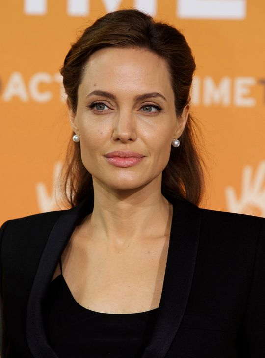 angelina-jolie-hairstyle