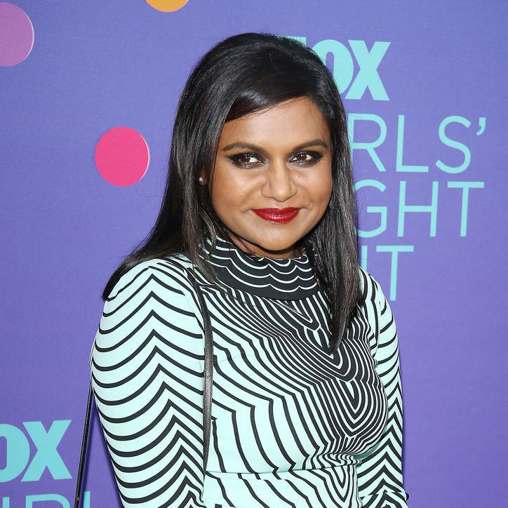 mindy-kaling-red-lipstick-smoky-eyes-makeup